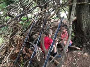 Kaimai School students – building a hut.